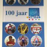 Jubileumboek 100 jaar Swift verkrijgbaar aan de bar